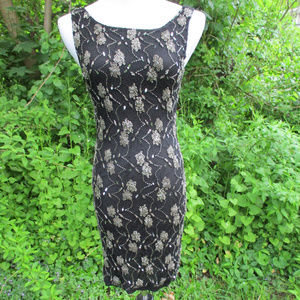 ALICE + OLIVIA ~ BEADED BLACK LACE DRESS ~ 2